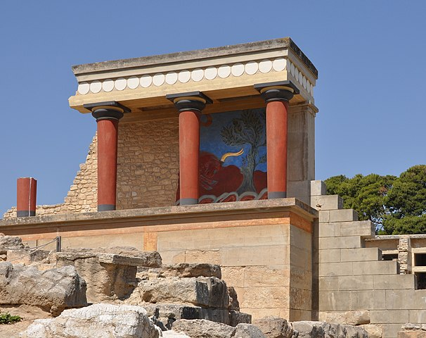 Knossos north portico with fresco of bull