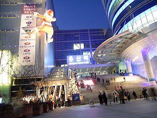 Korea-Yongsan Station and stores-01.jpg