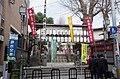 Kushida-jinja-FUK-2018JAN-torii.jpg