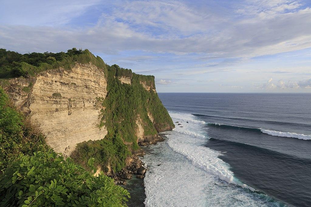 Kuta Bali Indonesia Pura-Luhur-Uluwatu-01