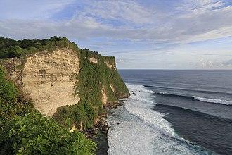 Uluwatu, Bali - Ocean swells at Uluwatu