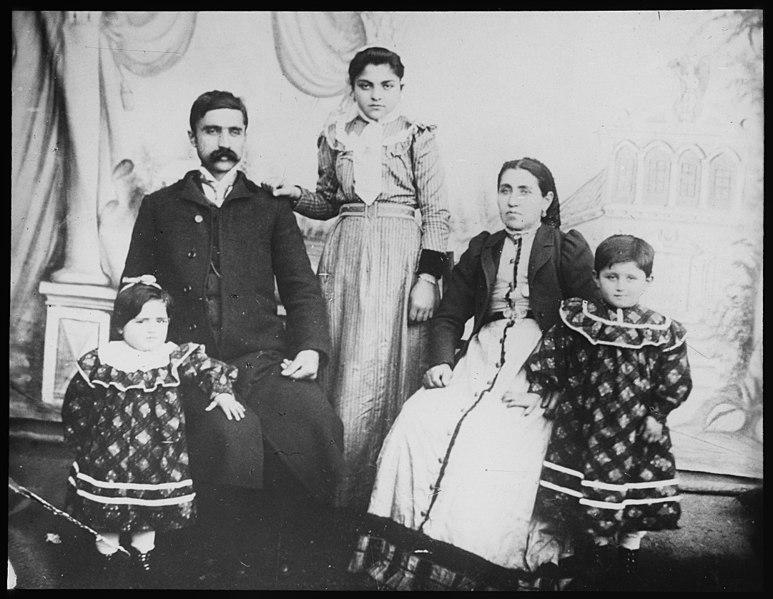File:Kvinnelige misjonsarbeideres arbeid i Armenia - fo30141712180034 2122.jpg