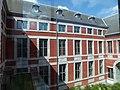 LIEGE Palais Curtius - actuel Musée Curtius - cour intérieure (11-2013).JPG