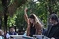 La alcaldesa, en la lectura de los Episodios Nacionales que celebra el 2 de mayo junto a la estatua de Galdós 07.jpg