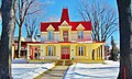 La jolie maison du Boul. Gouin en hiver. - A winter view of the nice house in Ahuntsic, Montreal - panoramio.jpg