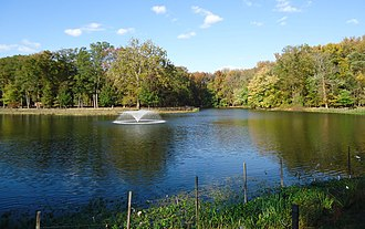 Rahway River Parkway - Image: Lake Nomahegan in Cranford NJ with fountain