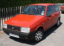 https://upload.wikimedia.org/wikipedia/commons/thumb/8/84/Lancia_Y10_GT.jpg/220px-Lancia_Y10_GT.jpg