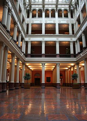 Landmark Center (St. Paul) - The Landmark Center Cortile in the space that formerly housed St. Paul's Main Post Office