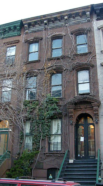 English: Langston Hughes house at 20 East 127t...