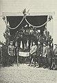 Le drapeau des chasseurs à l'entrée du poste de commandement du 68e BCA bpt6k6234134w 77.jpg