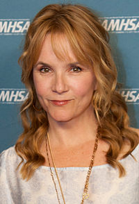 Lea Thompson 2013 (cropped).jpg