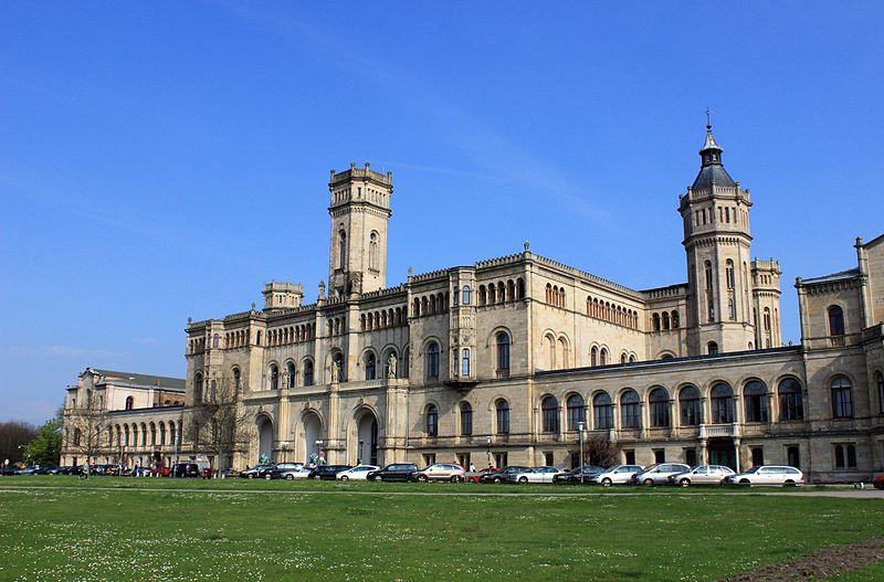 File:Leibniz Universität Hannover main building.JPG