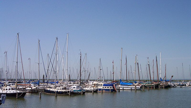 File:Lelystad Harbour.jpg