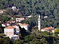 Levie l'église Saint-Nicolas au centre du village.jpg