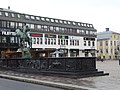 Linkoping (central place with Jugendstil sculpture).jpg