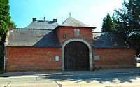 Lubbeek - Dekenij, dubbelhuis 1757 (voorkant poorthuis)