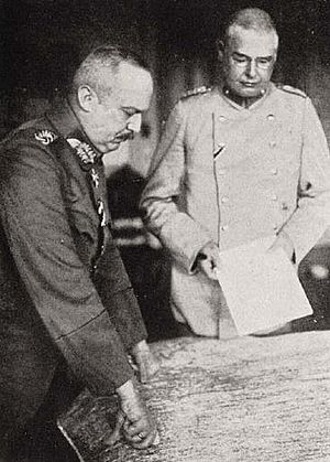 Max Hoffmann - General Erich Ludendorff (left) with Colonel Max Hoffmann on the Eastern front, 1915-1916.