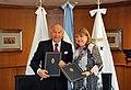 Luis Enrique García Rodríguez y Susana Malcorra.jpg