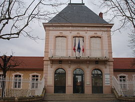 The town hall in Millery