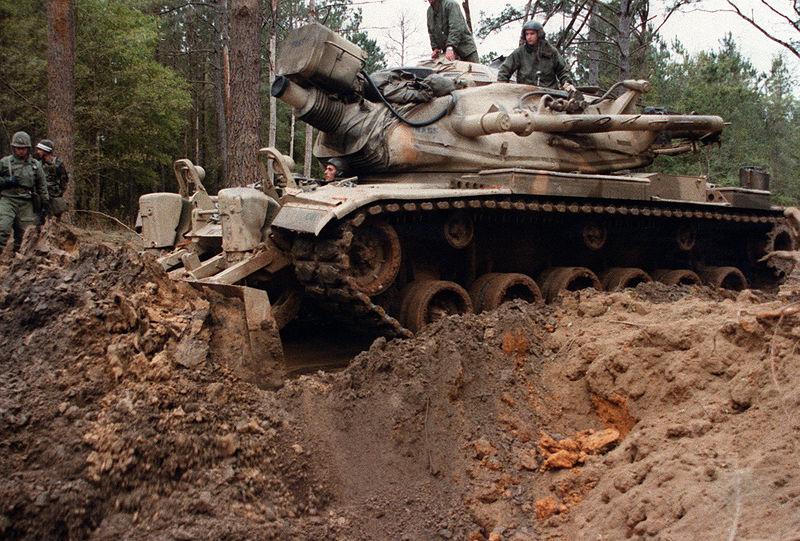 800px-M728_Combat_Engineer_Vehicles_clea