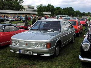 Tatra 613 - Image: MHV Tatra 613 3