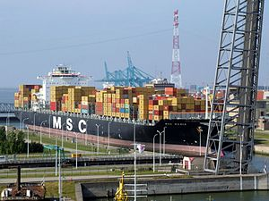 MSC Rania in lock, at Port of Antwerp, Belgium 25-Jan-2005.jpg