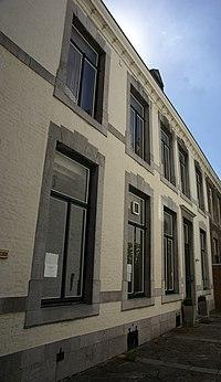 Maastricht - rijksmonument 27110 - Henric van Veldekeplein 19 20100718.jpg