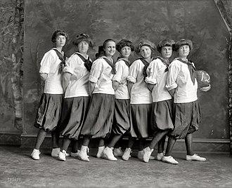 Madeira School - Madeira School girls 1912