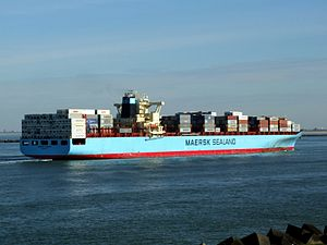 Maersk Kolkata p09 approaching Port of Rotterdam, Holland 21-Feb-2005.jpg