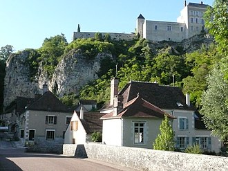 Mailly-le-Château - The village from the River Yonne