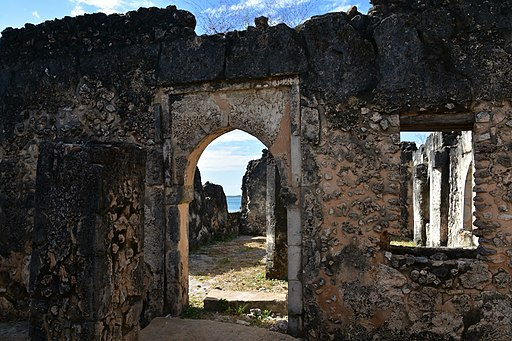 Malindi Mosque on Kilwa Kisiwani, 15th - 18th cents (2) (28455226674)