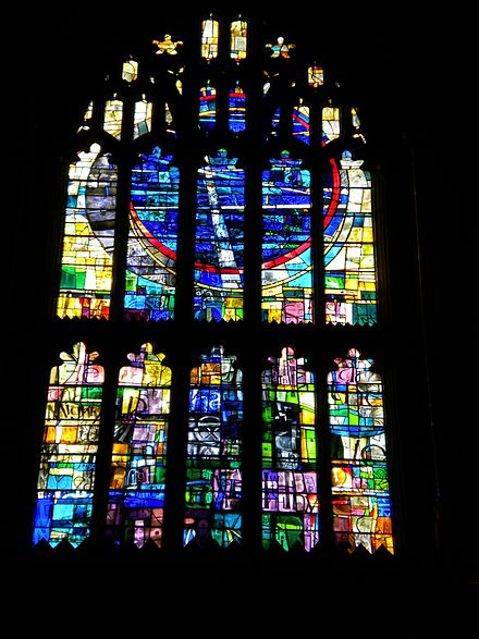 St Mary Window, Tony Hollaway (1980) Manchester Cathedral 036.JPG