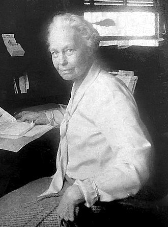 Margaret Q. Adams - Image: Margaret Queen Phillips Adams at work, cropped, retouched