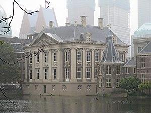 English: Mauritshuis Museum, Hofvijver.