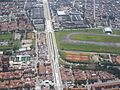 Medellín desde el aire (2044379528).jpg