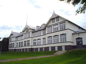 Akureyri Junior College - The oldest school building, from 1904