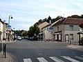 Mery-sur-Oise - Avenue Marcel-Perrin 03.jpg