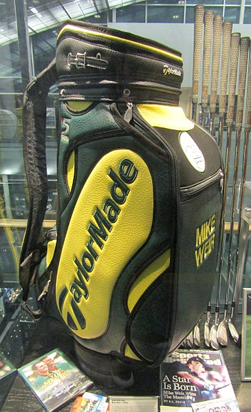File:Mike Weir golf bag (26728932817).jpg