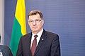 Ministru prezidents Valdis Dombrovskis tiekas ar Lietuvas premjerministru Aļģirdu Butkeviču (8366365899).jpg