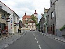 Mnichovo Hradiště, kostel sv. Jakuba, od Příkopů.jpg