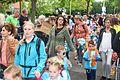 Moeders op stap met hun kroost minivierdaagse Spijkenisse.jpg