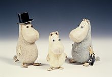 https://upload.wikimedia.org/wikipedia/commons/thumb/8/84/Moomin_toys.jpg/220px-Moomin_toys.jpg