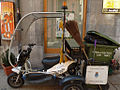 Moto de tres ruedas (7021055283).jpg