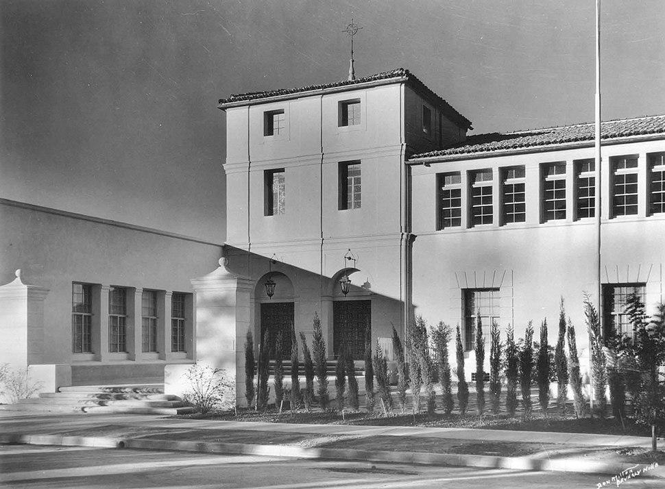 Mount Carmel High School (Los Angeles) pic