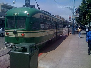 Jefferson and Taylor station - A streetcar at Jefferson and Taylor in 2008