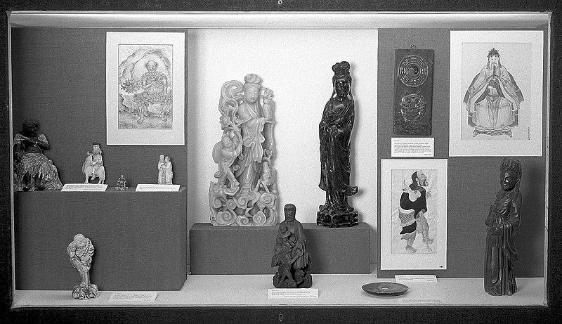 Музейні об'єкти з виставок Wellcome Ethnographic Collection (ліцензія на фото — CC-BY-4.0)