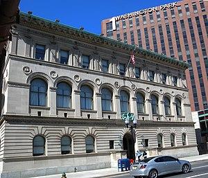 Newark Public Library - Image: Newark Free Library sunny jeh