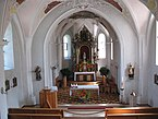 Niederau,_Kath._Pfarrkirche_hl._Sixtus_mit_Kriegerdenkmal,_Altarraum.JPG