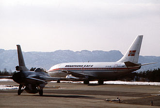 Bergen Airport, Flesland - US Air Force General Dynamics F-16 Fighting Falcon and Braathens Boeing 737-200 at Flesland in 1981