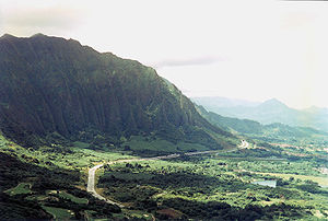 Battle of Nuʻuanu - Cliffs of the Koʻolau Range as seen from Nu'uanu Pali in 1996